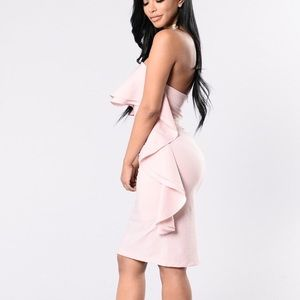 BRAND NEW!! Baby Pink OFFShoulder Ruffle Dress 👗